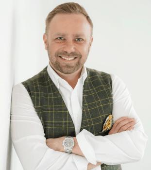 Fabian Gerum zeigt, wie Unternehmen beim Lizenzkauf Kosten sparen